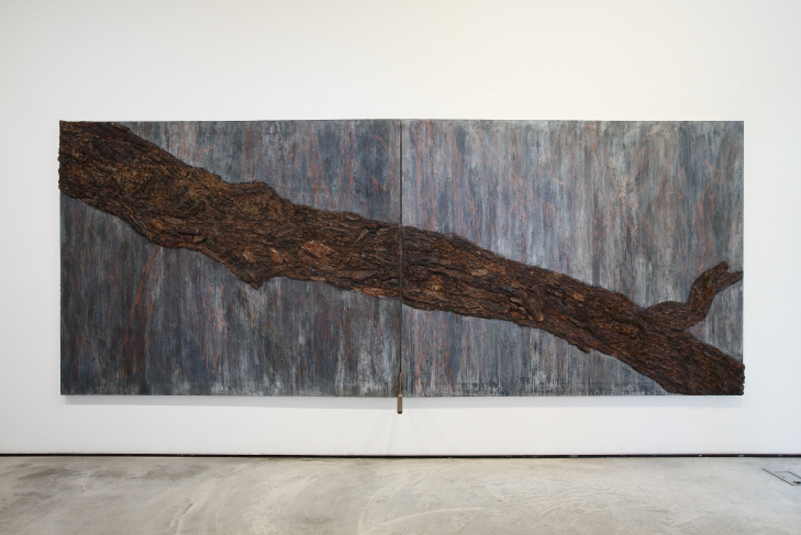 Refracted Time, 1996, Oil, tree bark on canvas, 181.8x454.6cm