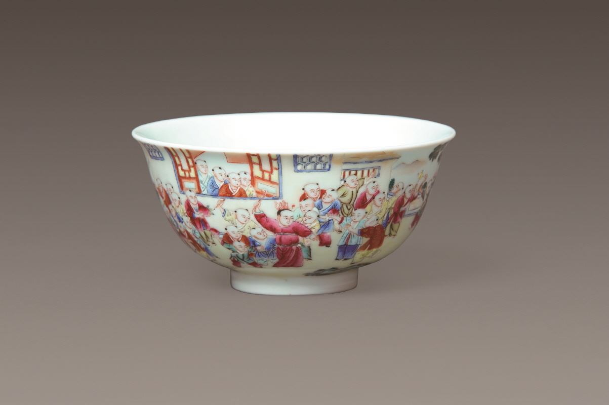 Famille-Rose 'Children' Bowl, Daoguang Mark and Period, H5.7 W11.7