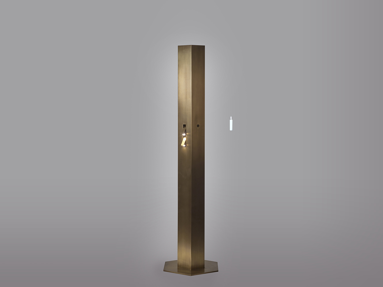 Aurora_floor lamp, 2016, Hammered bronze, 25x25x178cm, Manufactured by PROMEMORIA, Photo by Daniele Cortese