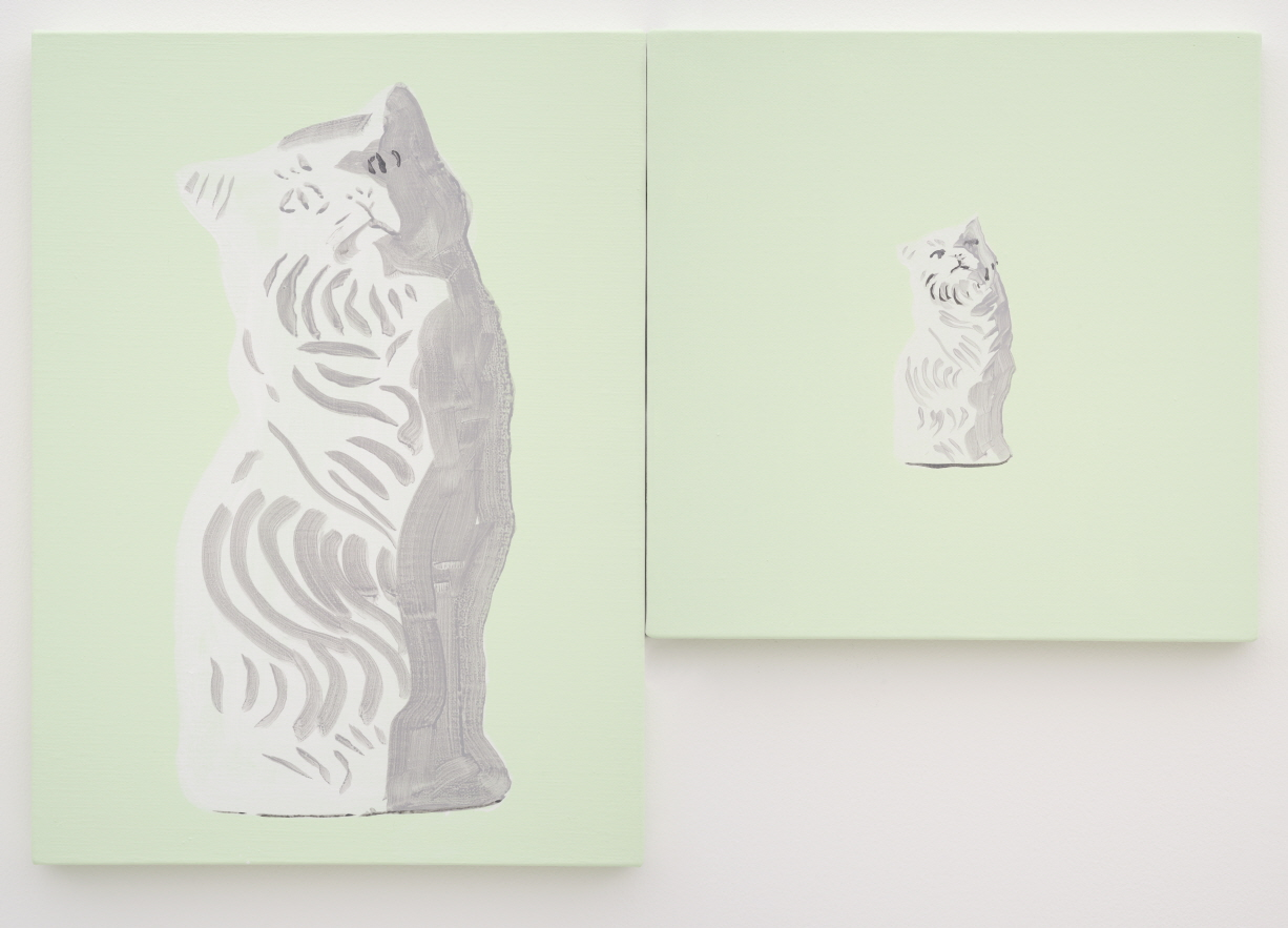 Shimon Minamikawa, Green ground (Cat Object), 2018, Acrylic on canvas, (Left) 45.7x33.5cm, (Right) 33.4x33cm