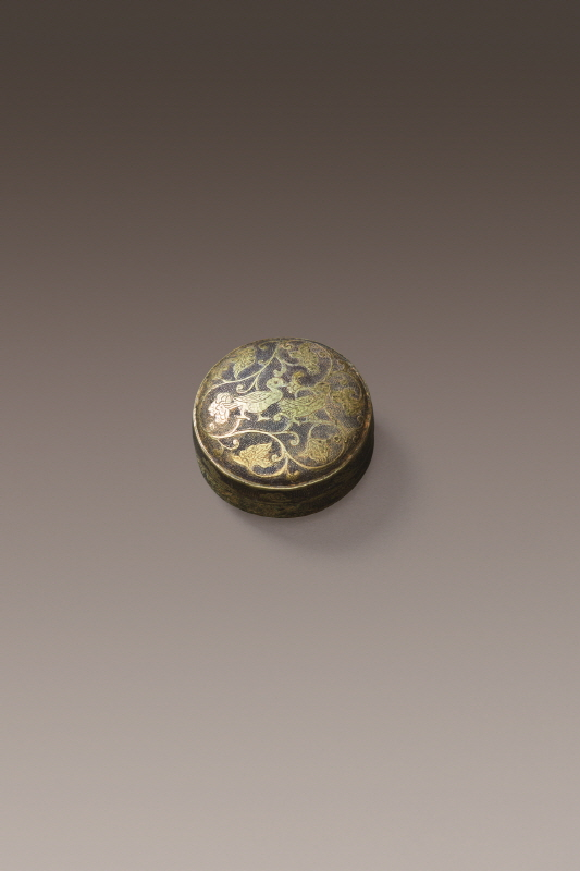 Gilt-Silver Box and Cover Carved with Mandarin Duck Design, Tang Dynasty, H2.3 W4
