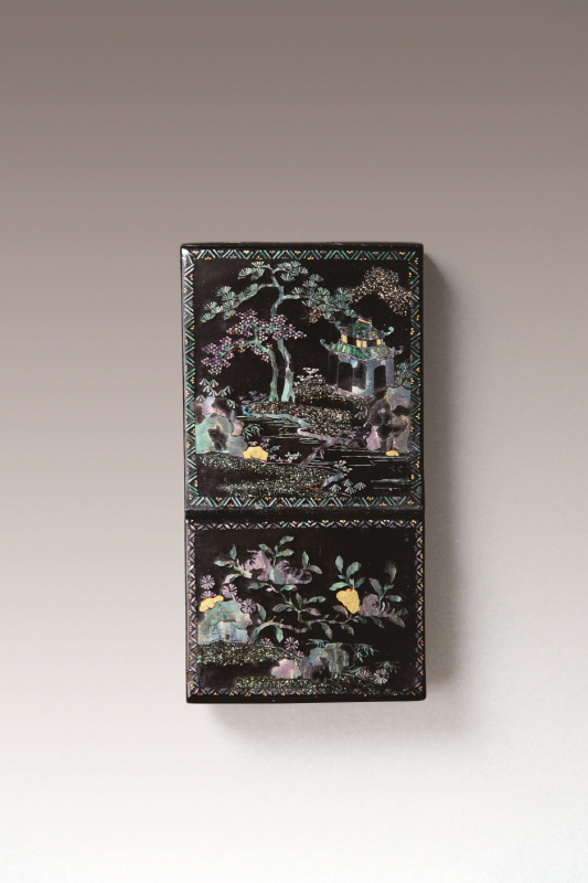 Mother-of-Pearl Inlaid Black Lacquer Ink-Rest, Qing Dynasty, H9.5 W5 D2.2 (1)