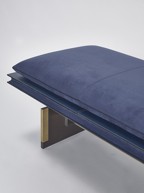 Horizon_bench, 2016, Leather, Bronze, 180x70x44cm, Manufactured by PROMEMORIA, Photo by Daniele Cortese