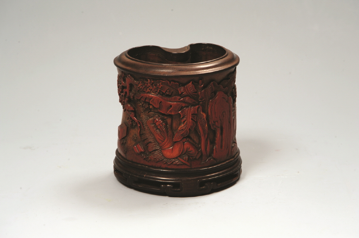 Bamboo Brushpot Carved with 'Scholar' Design, Qing Dynasty, H11.6 W11