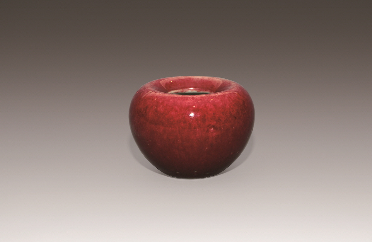 Red-Glazed Apple-Shaped Waterpot, Qing Dynasty, H6.5 W10