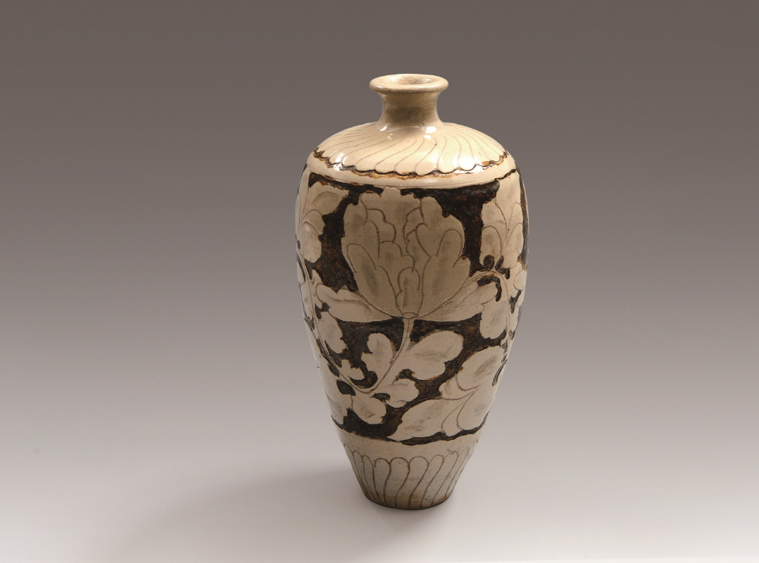 Chi-feng-yao Black and White Vase with Inlaid Peony Design, Liao Dynasty, H33 W17