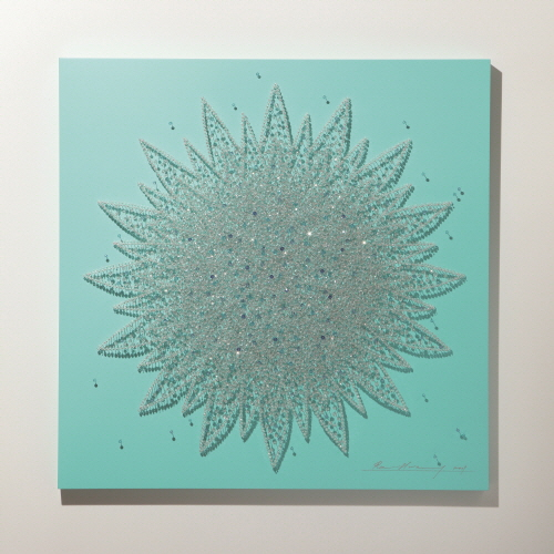 Flower in Desert (G)_Crystal, Pins on Wooden Panel_105x105cm_2009