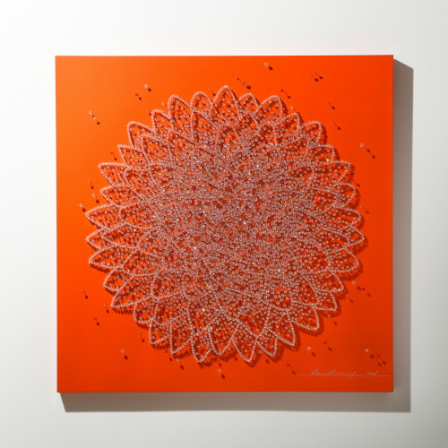Flower in Desert (O)_Crystal, Pins on Wooden Panel_105x105cm_2009