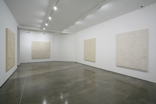 Hakgojae gallery - SENSITIVE SYSTEMS
