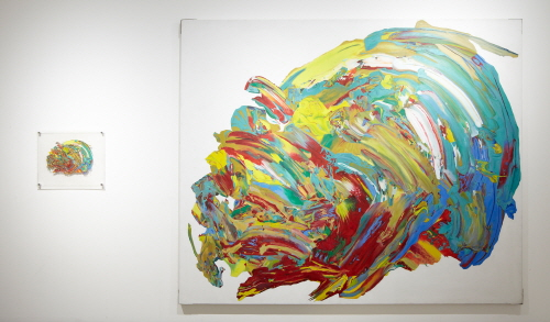 루쩡위엔 No title (Object series)Lu ZhengYuan  No.1  2011  Oil on canvas, arcylic, paint  250 x 300cm